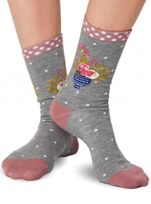Bamboo Socks Grey Vase with GOTS certified cotton.